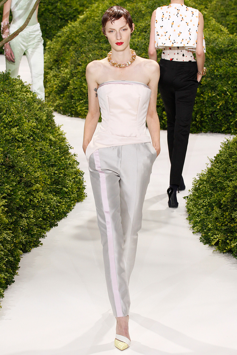 christian-dior-couture-spring-2013-16_123835811608