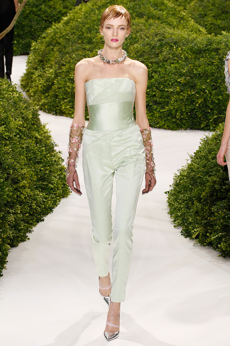 christian-dior-couture-spring-2013-17_123836316101